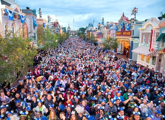 Disney24 Crowd