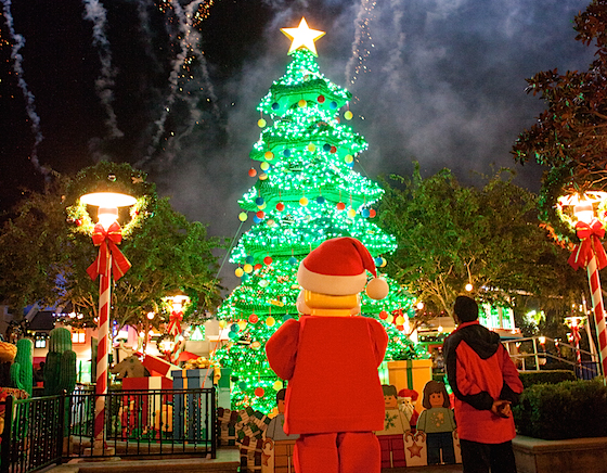 Legoland California Lights Its Christmas Tree And Previews