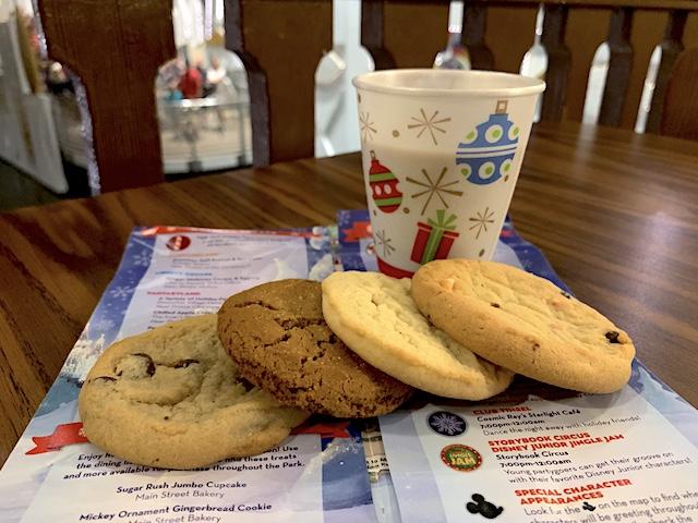 Pinocchio Village Haus cookies