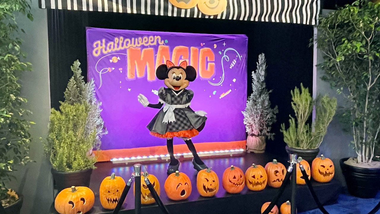 Minnie Mouse with Halloween Magic