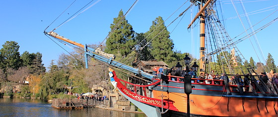 Fans Crowd Disneyland's Rivers of America on its Final Day of the Year