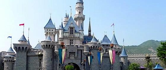 Hong Kong Disneyland Slump Prompts Layoffs