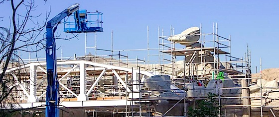 Disneyland opens a new view on Star Wars Land construction