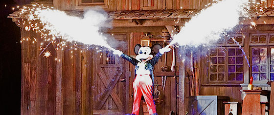 Disneyland confirms Fantasmic changes for its return this summer