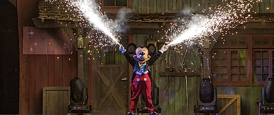 Fantasmic! returns to Disneyland on the park's 62nd birthday