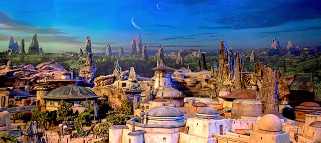 Disney narrows the opening dates for its new Star Wars lands