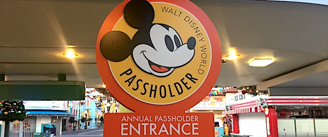 How to use the annual pass trick to save money on an Orlando