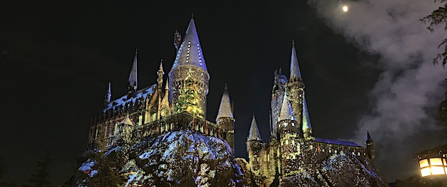 Christmas comes to Hogsmeade at Universal Studios Hollywood