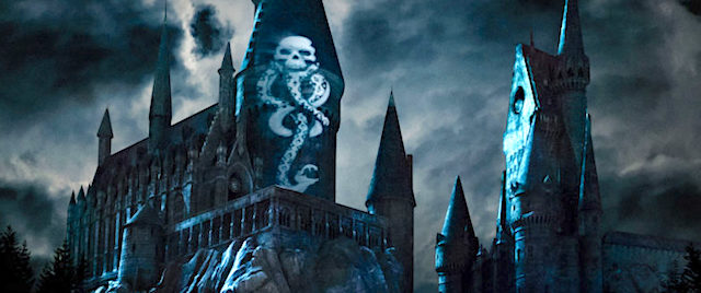 Universal embraces the Dark Arts with new Hogwarts light show