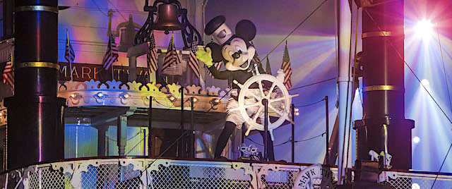 Disneyland adds top nighttime shows to its Maxpass add-on