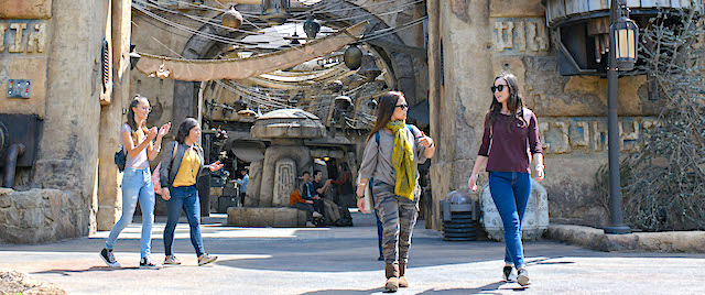 How Disneyland is using Galaxy's Edge to make its lines disappear