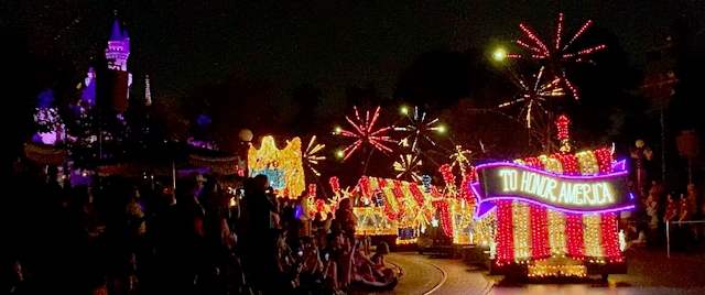 Disneyland fans welcome Main Street Electrical Parade's return