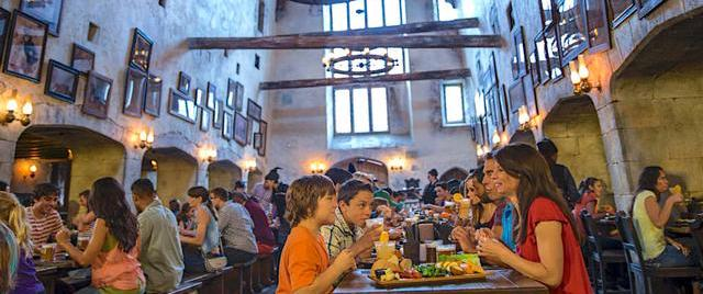 Universal's The Leaky Cauldron grabs restaurant honors