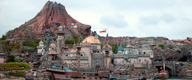 Tokyo Disney Resort Extends its Theme Parks' Closure