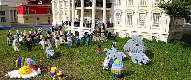 The Annual Easter Egg Roll Goes On, in LEGO