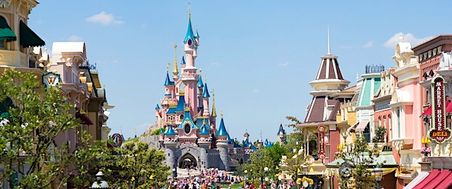 Disneyland Paris Will Stay Closed for Christmas