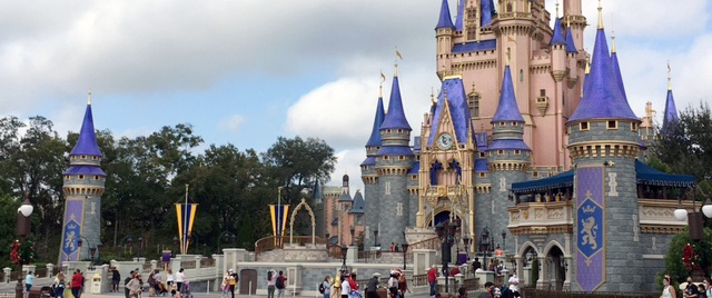 Disney Continues Suspension of Its College Programs
