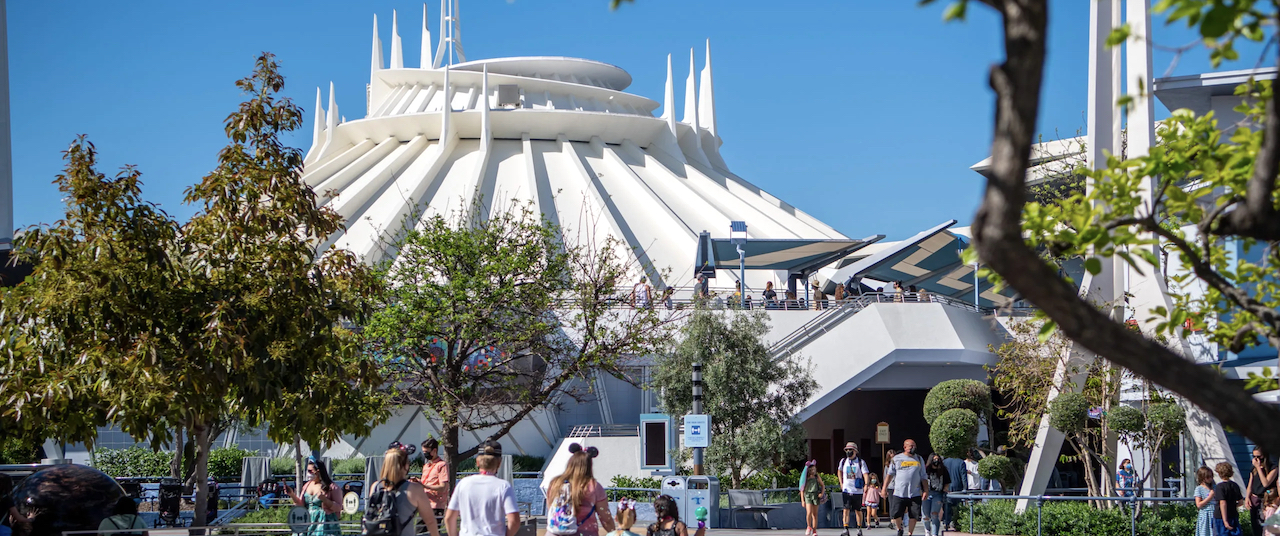 Here's How to Avoid Those Long Lines at Disneyland
