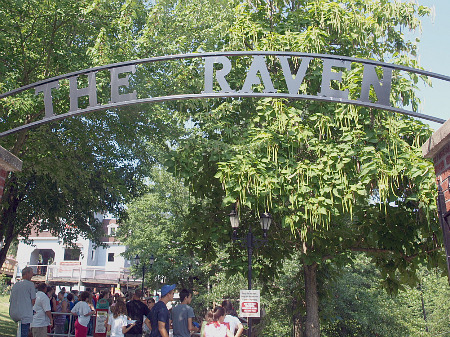 The Raven at Holiday World