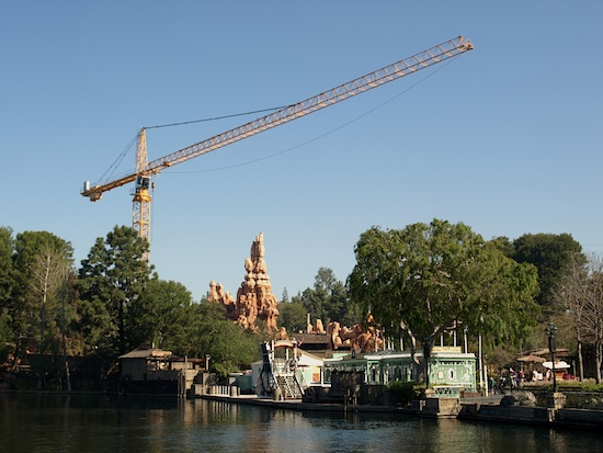 Big Thunder construction crane