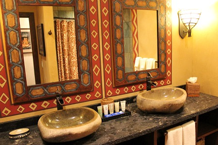 Second bathroom in the Adventureland Suite
