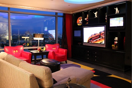 A Look Inside The Disneyland Hotel S Mickey Mouse Penthouse