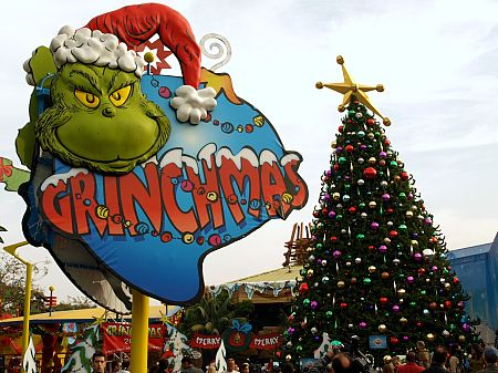 Universal Studios Hollywood debuts its 'Grinchmas' snow playground