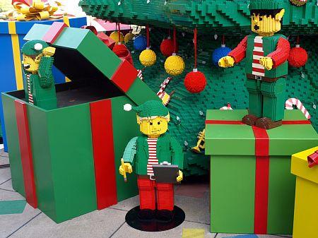Legoland elves