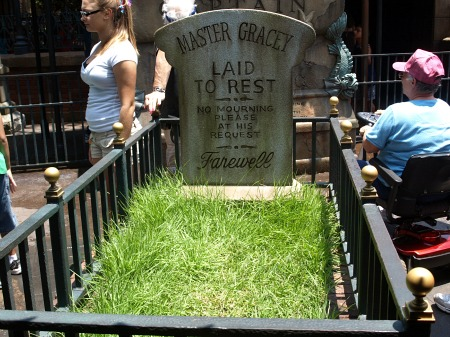 Master Gracey's grave