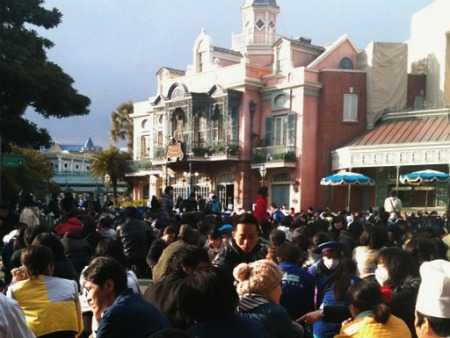 Tokyo Disneyland, after the quake
