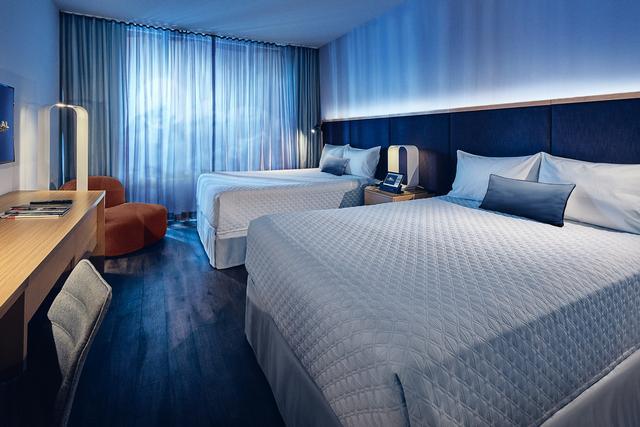 Aventura hotel guest room