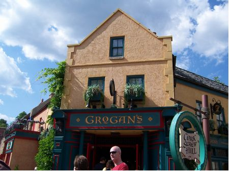 Grogan's Grill photo, from ThemeParkInsider.com