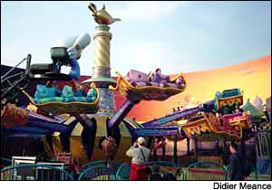 Flying Carpets over Agrabah photo, from ThemeParkInsider.com