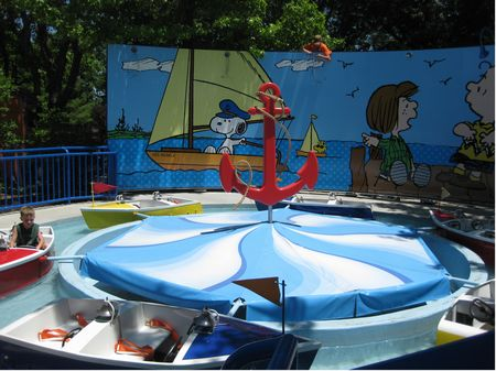 Peanuts Yacht Club photo, from ThemeParkInsider.com
