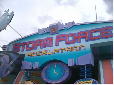 Storm Force Accelatron photo, from ThemeParkInsider.com
