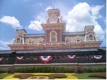 Walt Disney World Railroad photo, from ThemeParkInsider.com