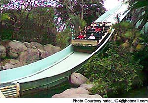 Tanganyika Tidal Wave photo, from ThemeParkInsider.com