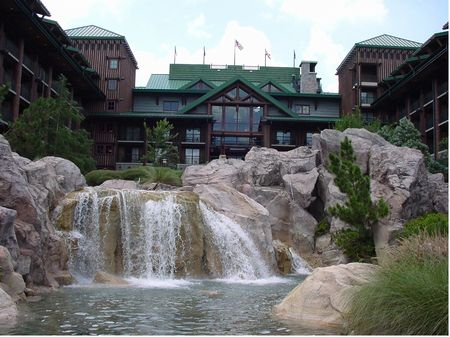 Disney's Wilderness Lodge photo, from ThemeParkInsider.com