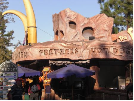 Flintstone's Bar-B-Q photo, from ThemeParkInsider.com