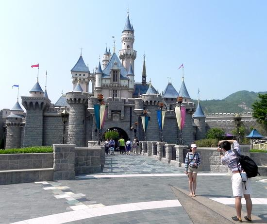 Hong Kong Disneyland photo, from ThemeParkInsider.com
