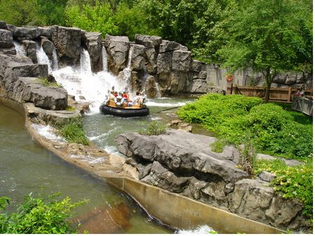 Smoky Mountain River Rampage photo, from ThemeParkInsider.com