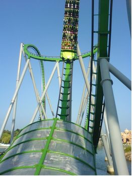 Incredible Hulk Coaster photo, from ThemeParkInsider.com