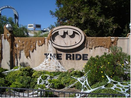 Batman The Ride photo, from ThemeParkInsider.com