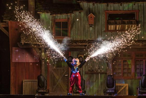 Disneyland photo, from ThemeParkInsider.com