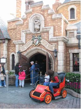 Mr. Toad's Wild Ride photo, from ThemeParkInsider.com