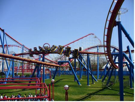 Superman: Ultimate Flight photo, from ThemeParkInsider.com