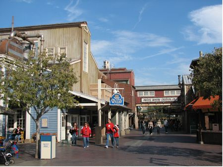 Pacific Wharf Cafe photo, from ThemeParkInsider.com