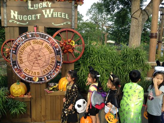Halloween events at the world's top theme parks photo, from ThemeParkInsider.com