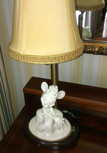 Minnie lamp