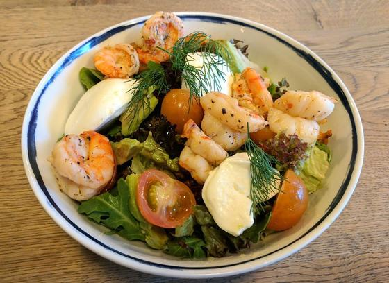 Prawn & mozzarella salad